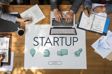 中小企業の標準化活用事例集を解説!先端技術で市場創造・拡大成功へ